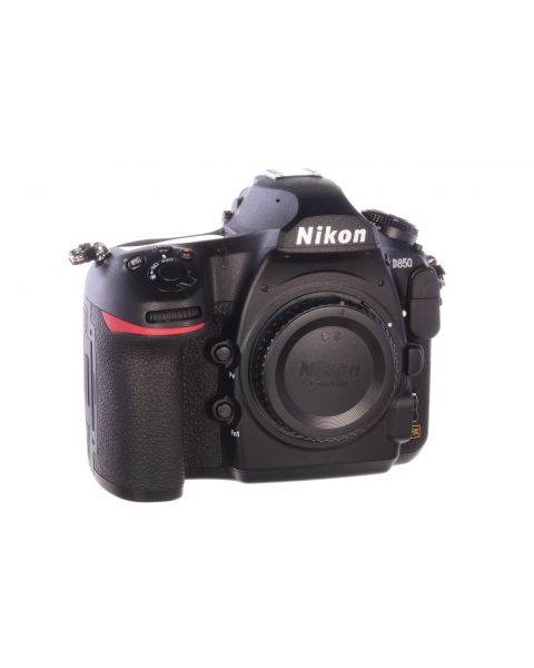 Nikon D850 body, Superb! Only 675 actuations, 6 month guarantee