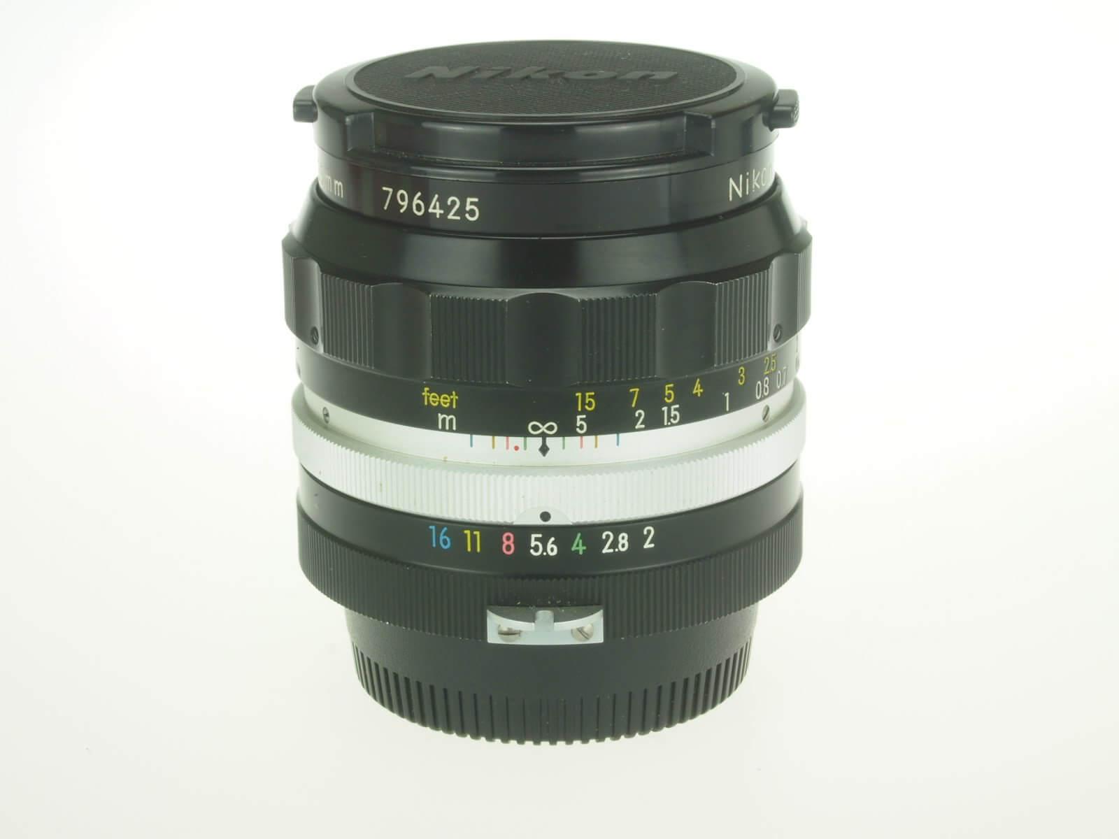 Nikon 35 f2 Nikkor, pre-AI mount, not far from mint!