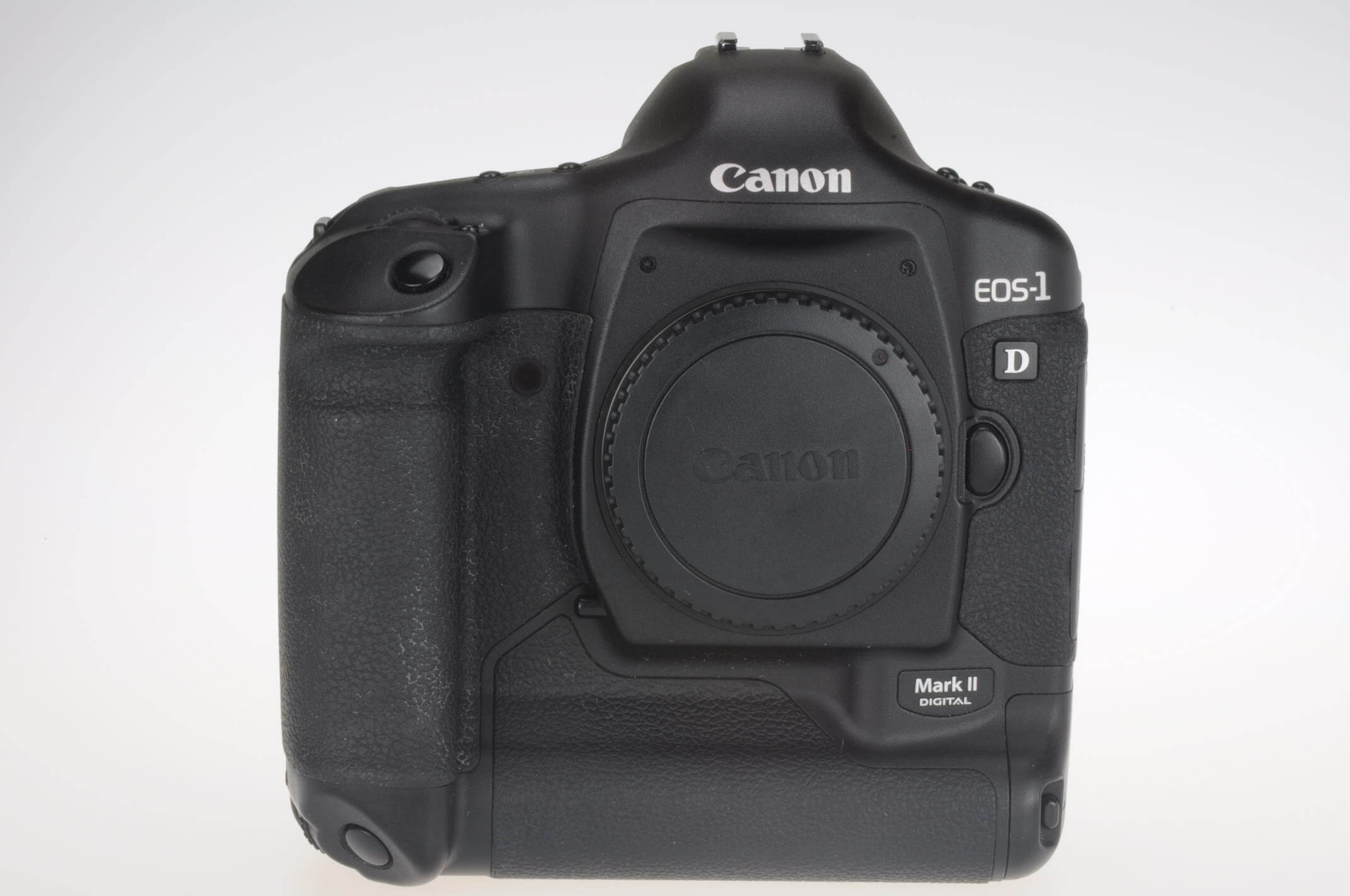 Canon EOS 1D Mark II body, close to mint, 5160 actuations!