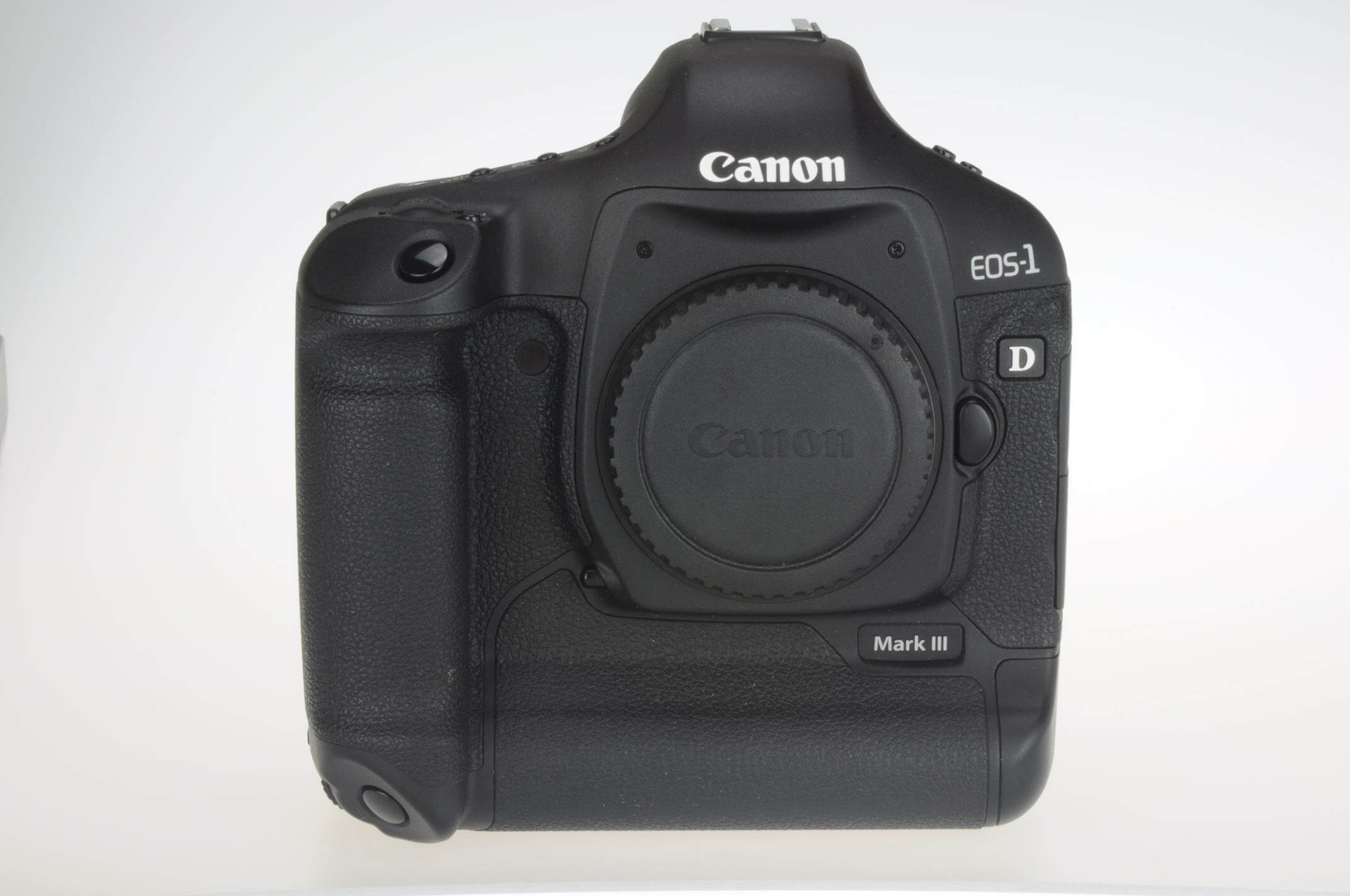 Canon EOS 1D Mark III body, virtually mint, 672 actuations!