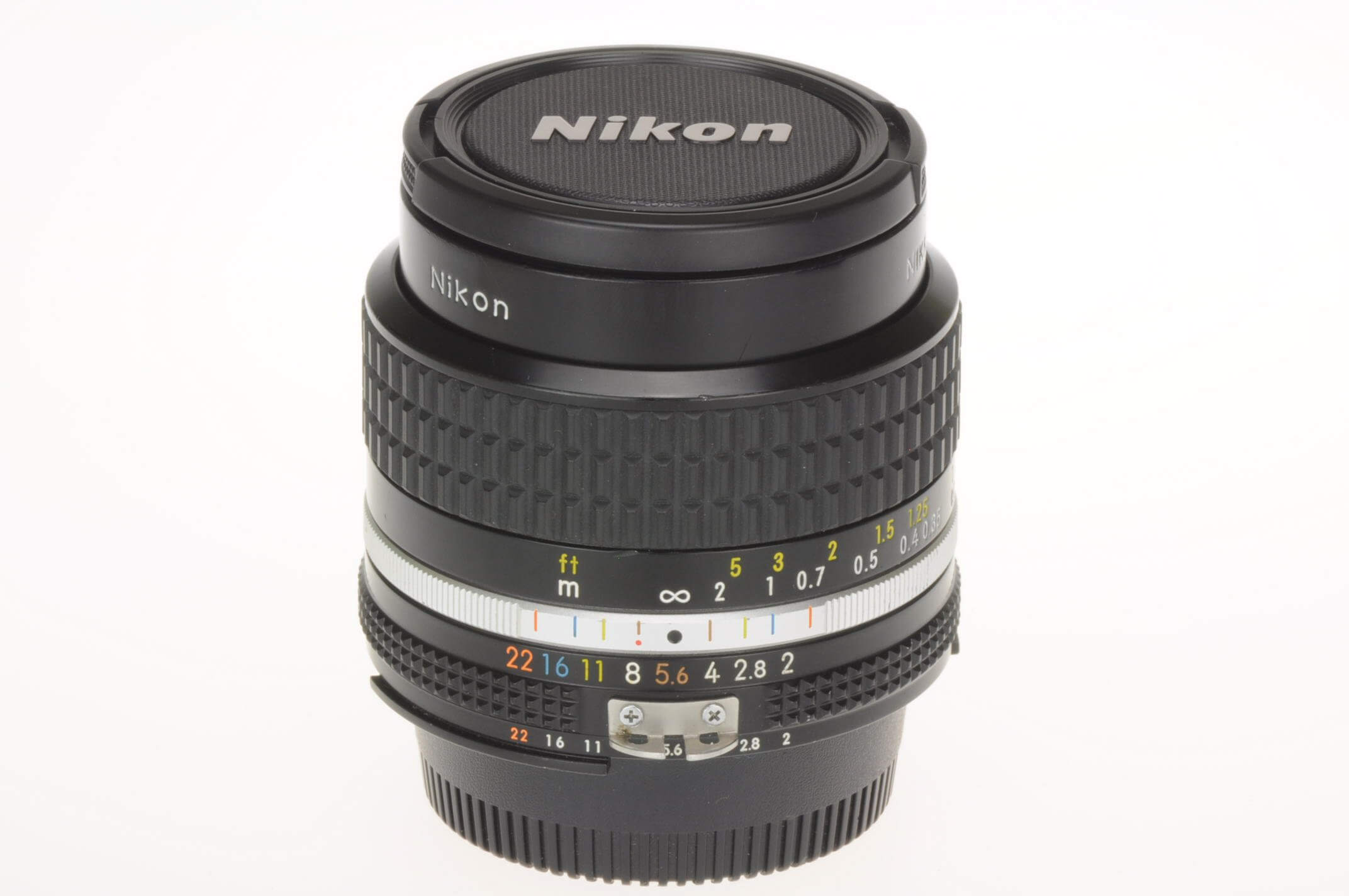 Nikon 24mm f2 Nikkor AIS, superb condition, virtually mint!