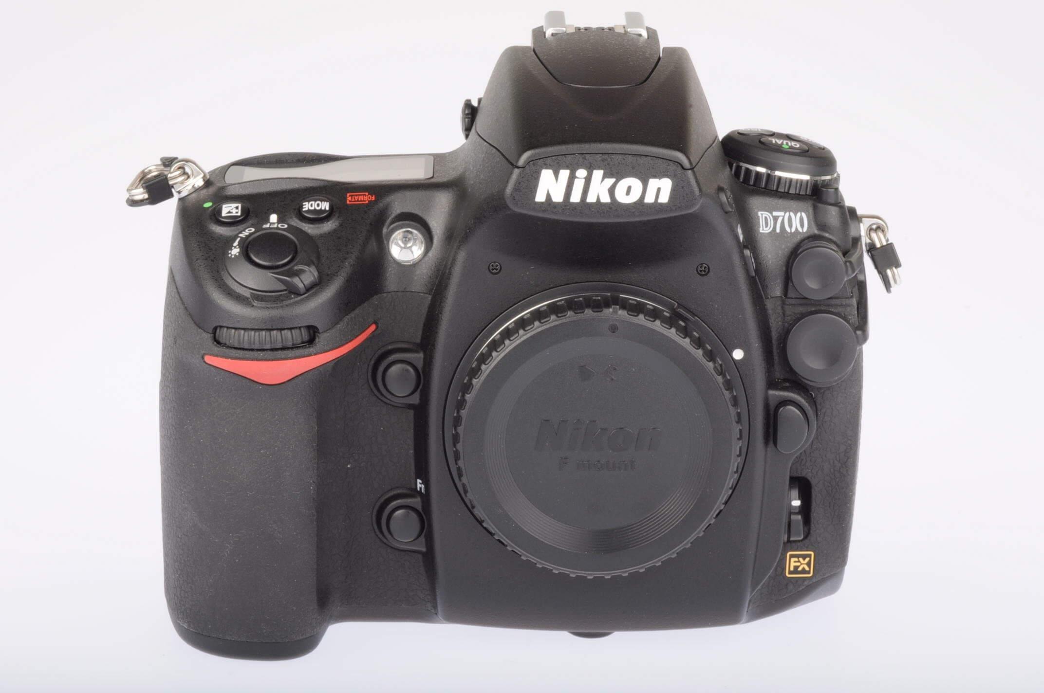 Nikon D700 body, 1694 actuations, mint condition