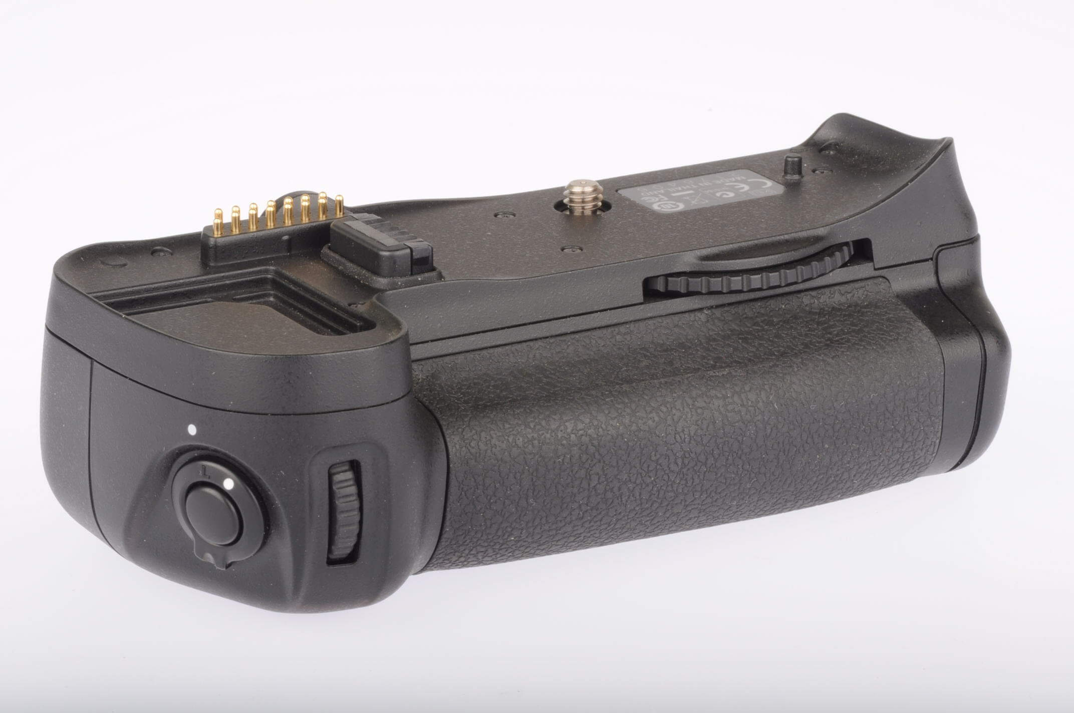 Nikon MB D10 battery grip, boxed, virtually mint