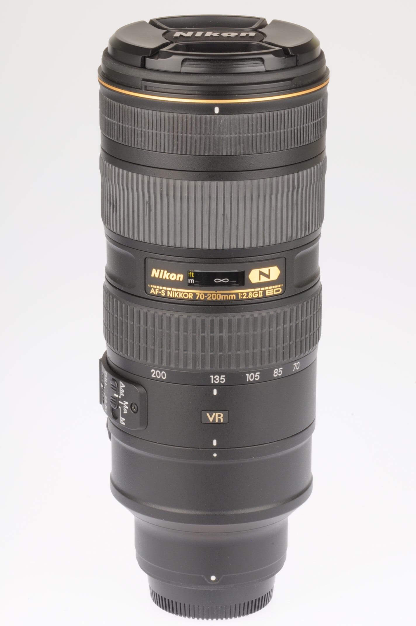 Nikon 70-200 f2.8 AF-S G ED VR II, boxed, mint condition