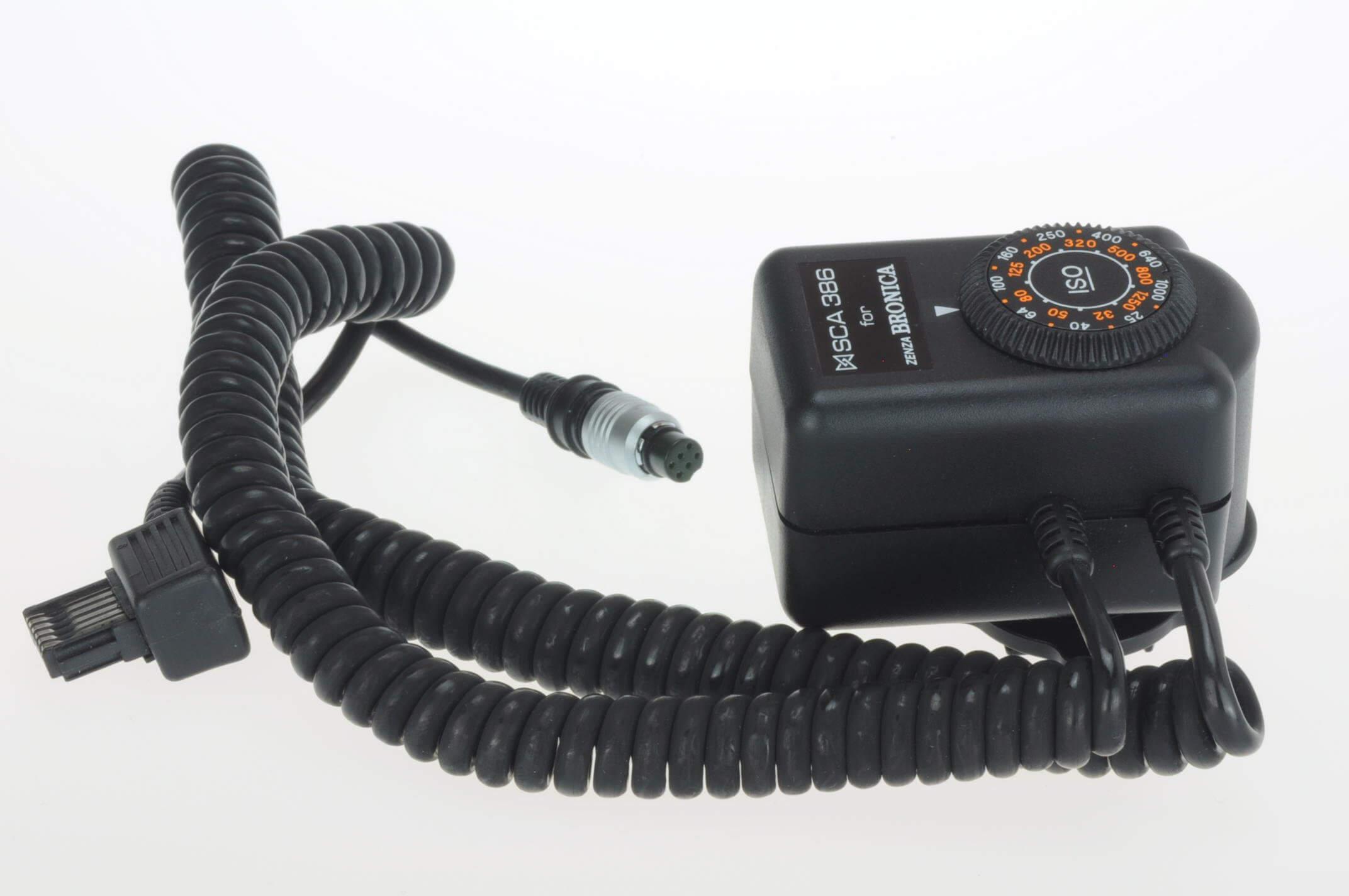 Bronica SCA 386 TTL flash adaptor