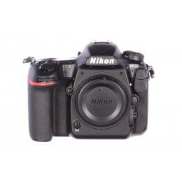 Nikon D500 body, official UK stock, 3900 actuations, MINT!