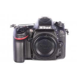 Nikon D7100 body, 39 shutter activations, MINT!