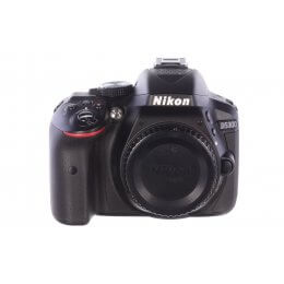 Nikon D5300 body, 489 actuations, MINT!
