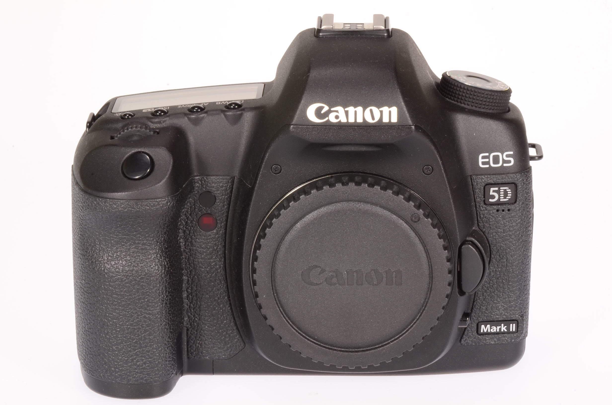 Canon EOS 5D Mark II body, virtually mint, 1918 actuations!