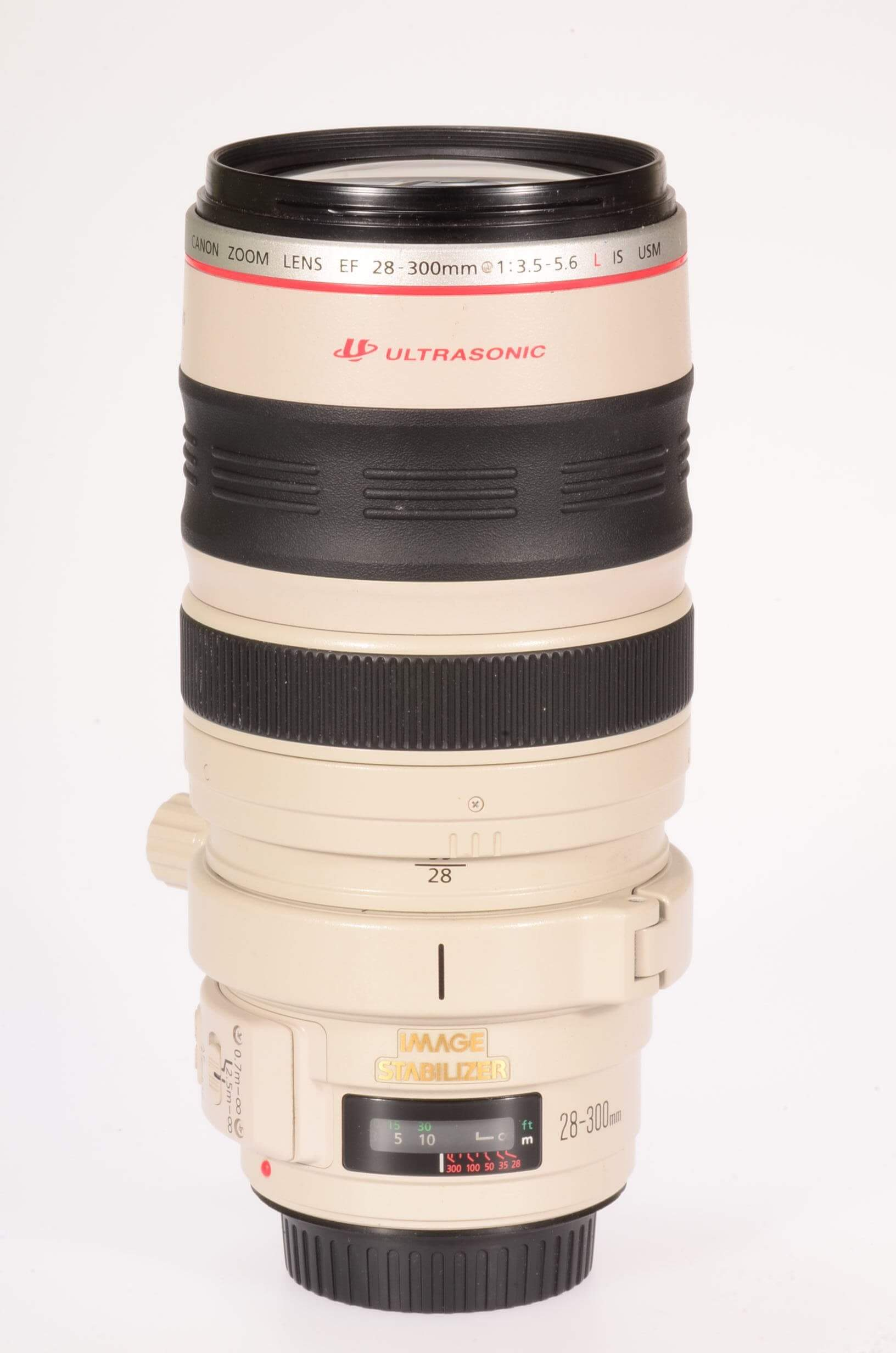Canon 28-300mm f3.5-5.6 USM IS L, almost mint!