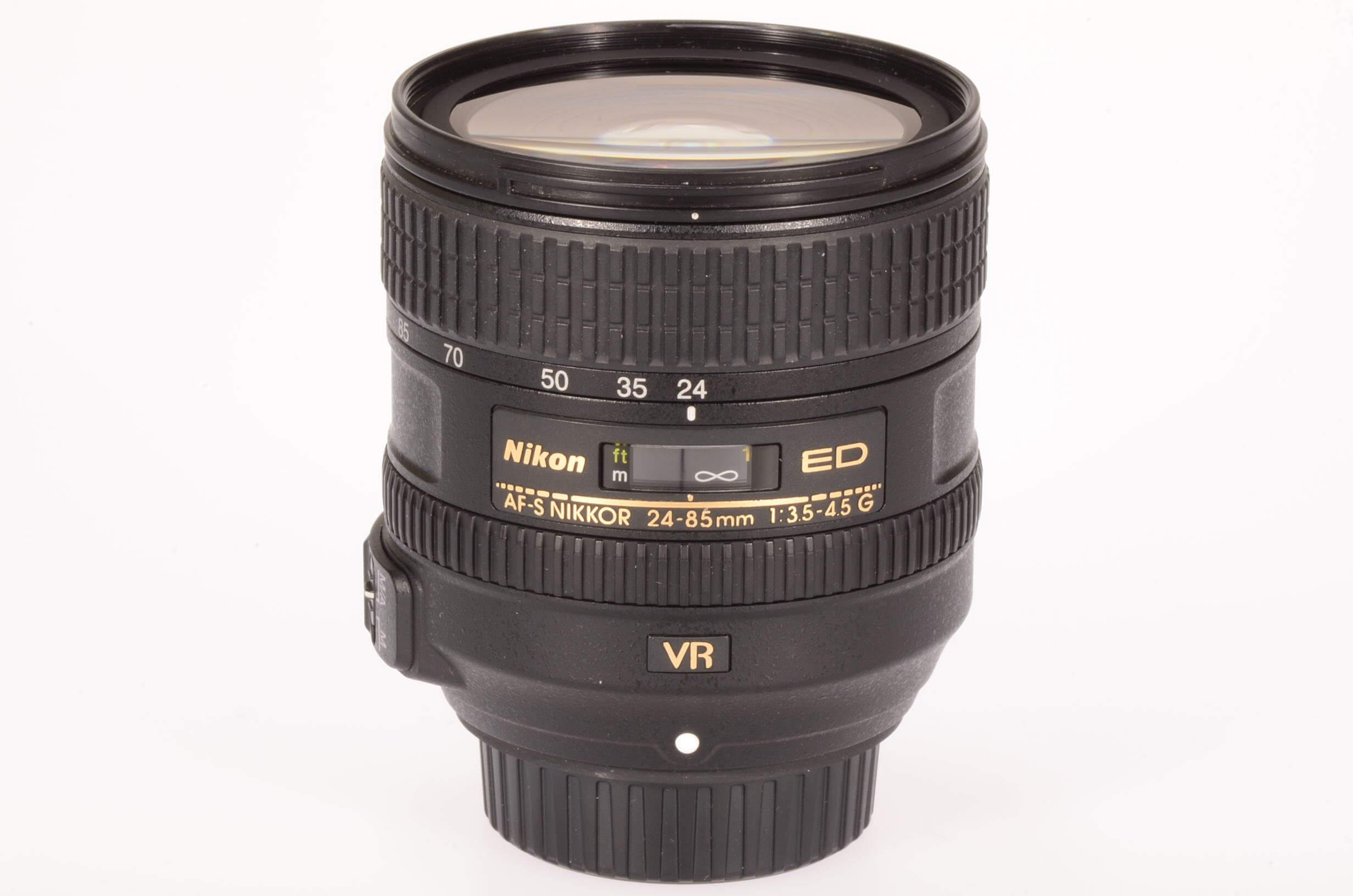 Nikon 24-85mm f3.5-4.5 AF-S VR, virtually mint!