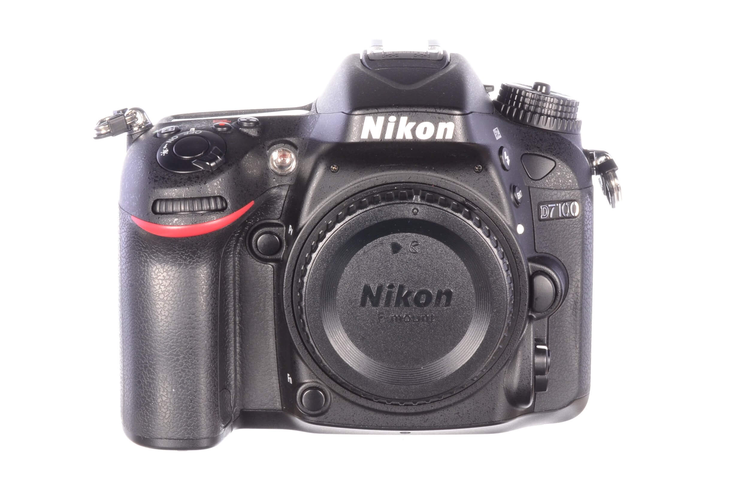 Nikon D7100 body, 5750 actuations, almost mint