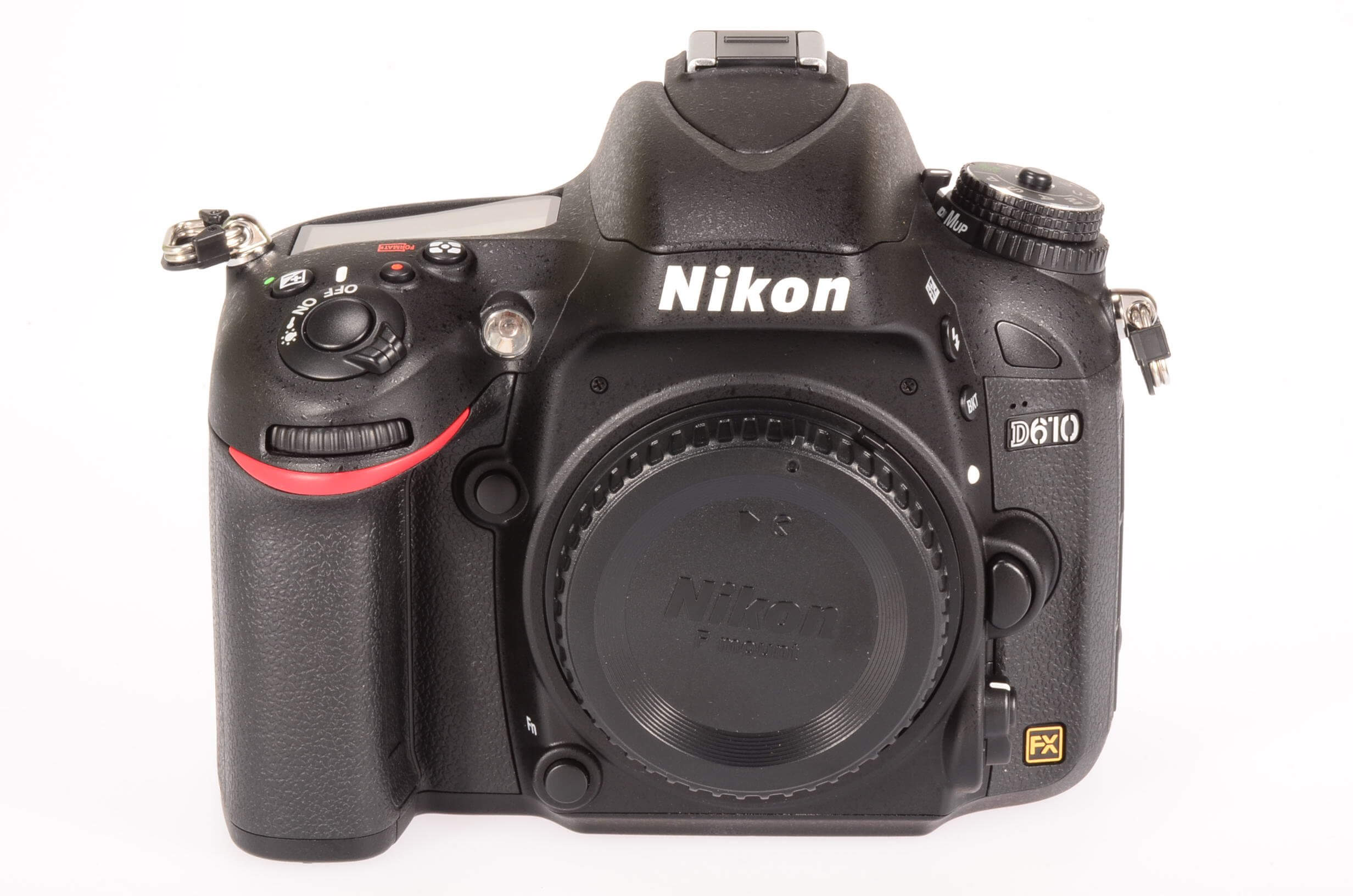 Nikon D610 body, 5 weeks old! UK supplied, 418 actuations!