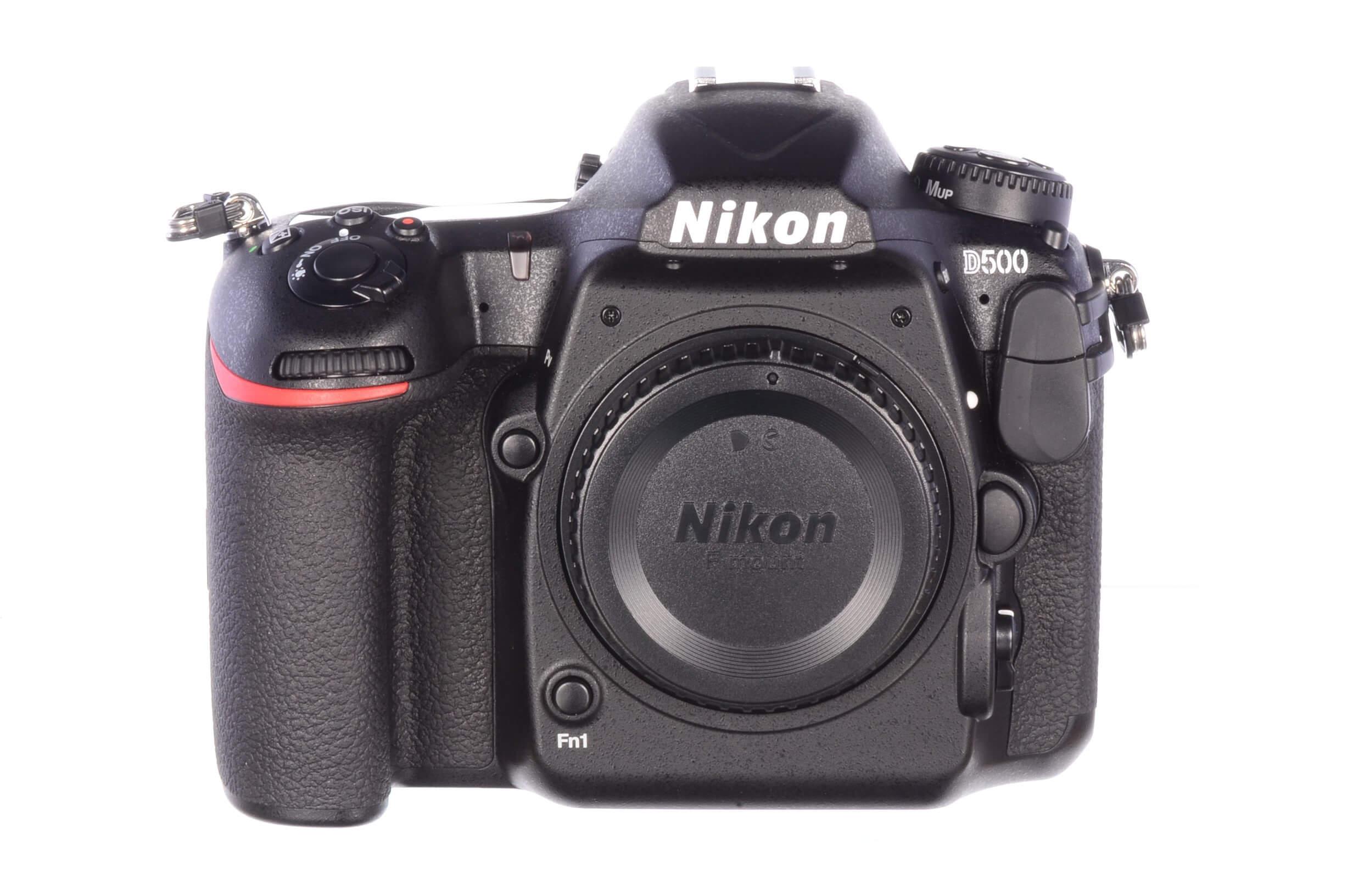 Nikon D500 body, official UK stock, 3900 actuations, MINT!