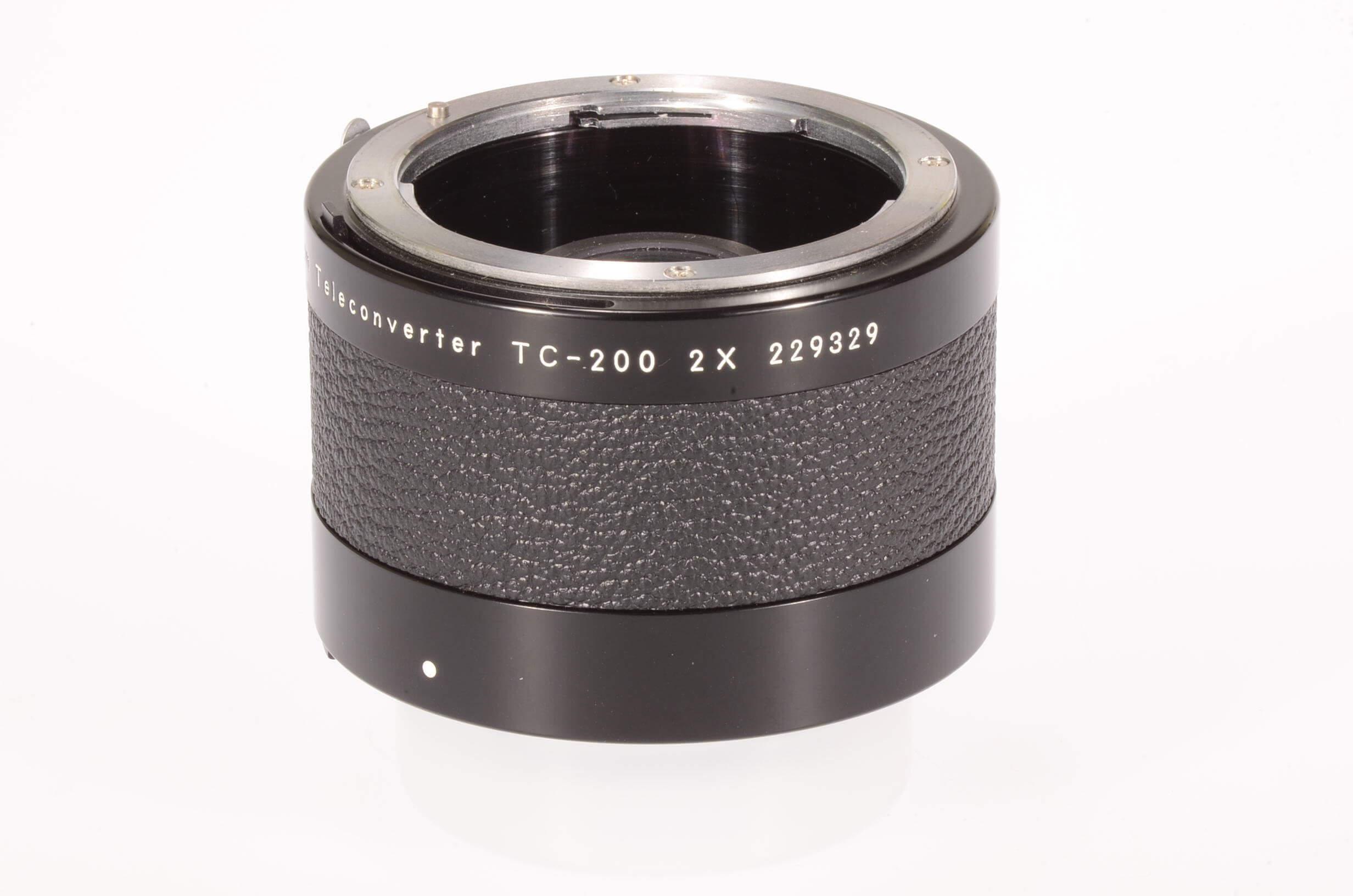 Nikon TC200 teleconverter, almost mint