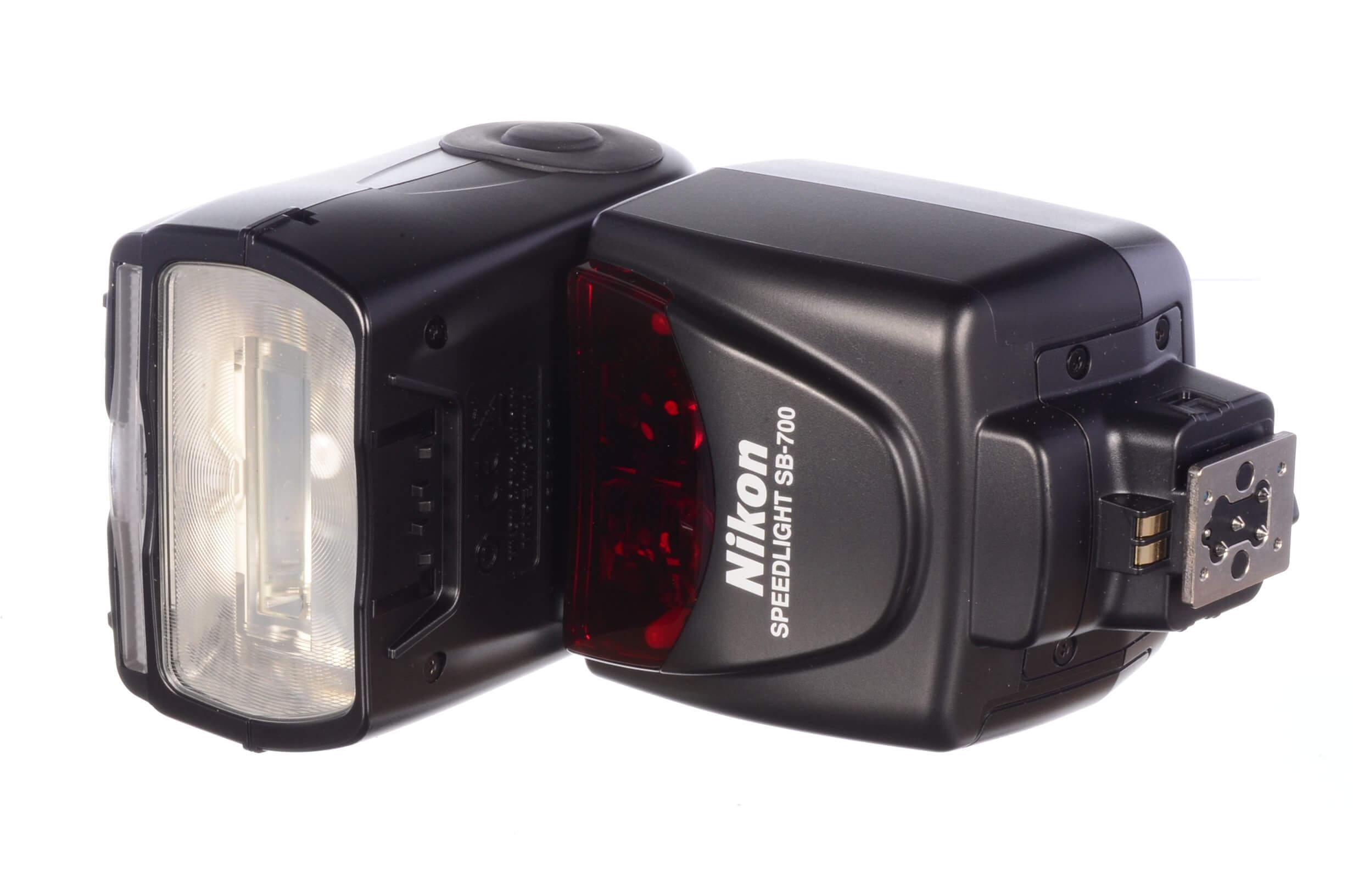 Nikon SB-700 Speedlight, MINT!
