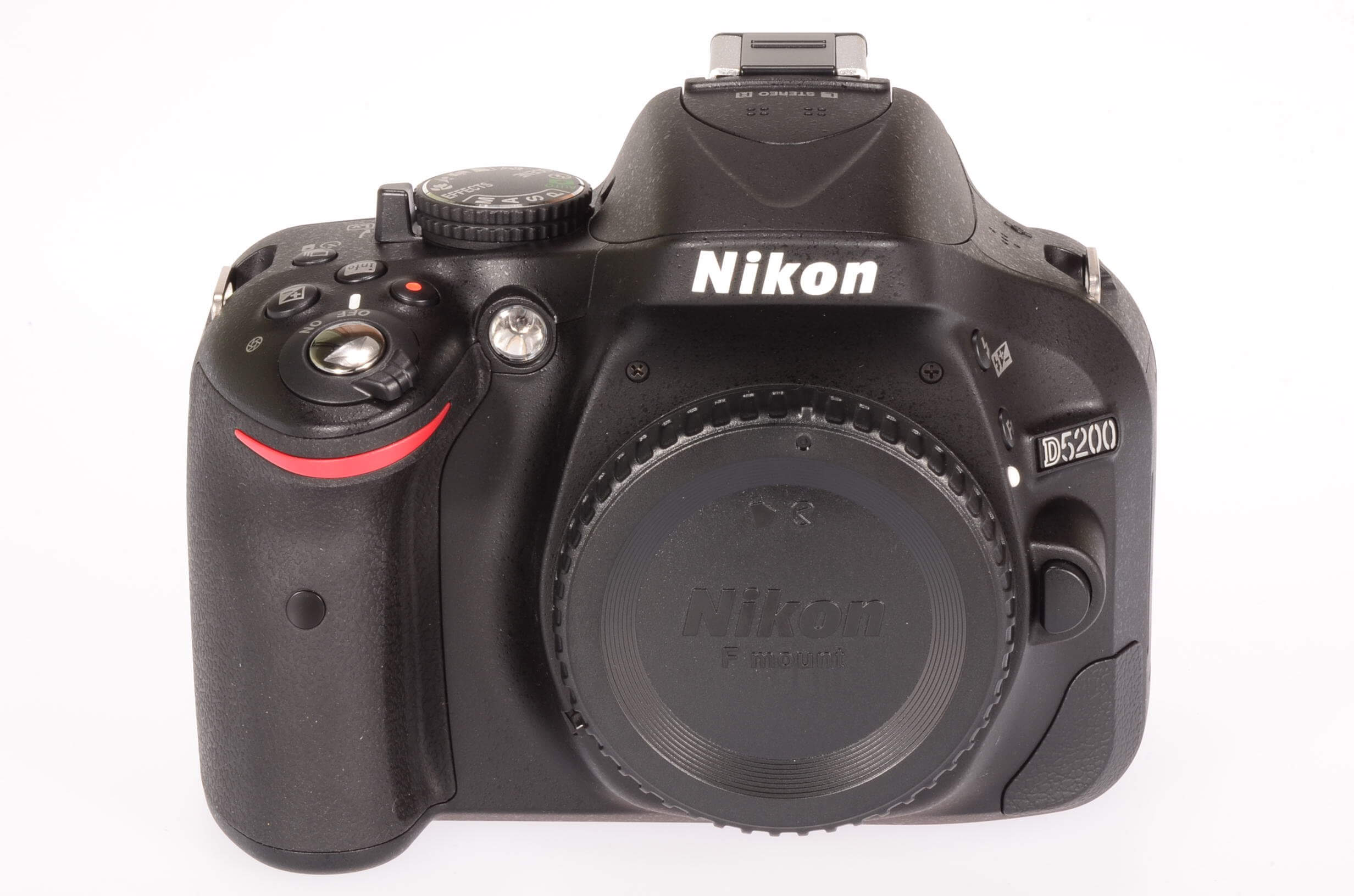 Nikon D5200 body, unused, 4 actuations!